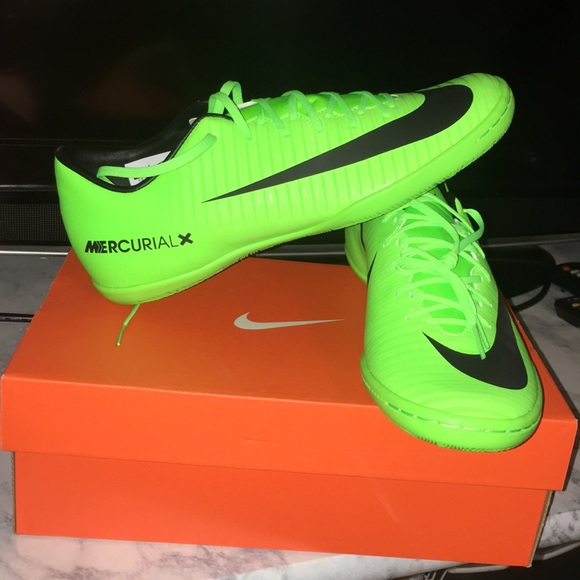 nike indoor soccer shoes green Sale,up